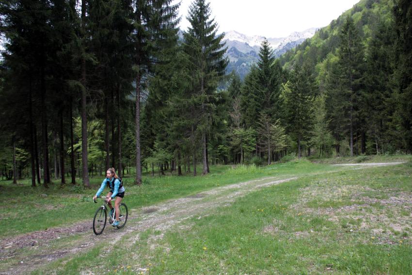 Wald- und Schotterwege luden ein wenig zum heizen ein :)