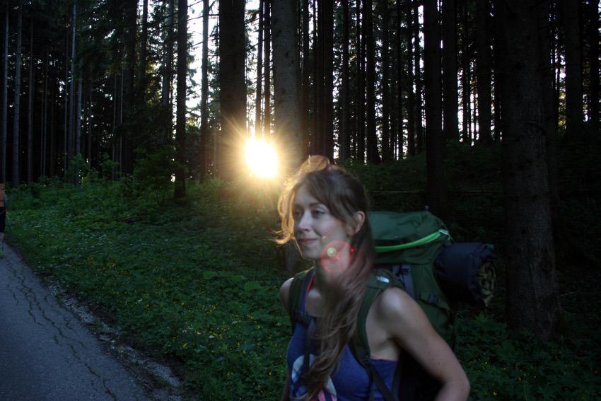 Auf dem Weg zur Weyerer Alm am Samerberg. Der 5-to-9-Hike von The North Face und Neverstopmunich.