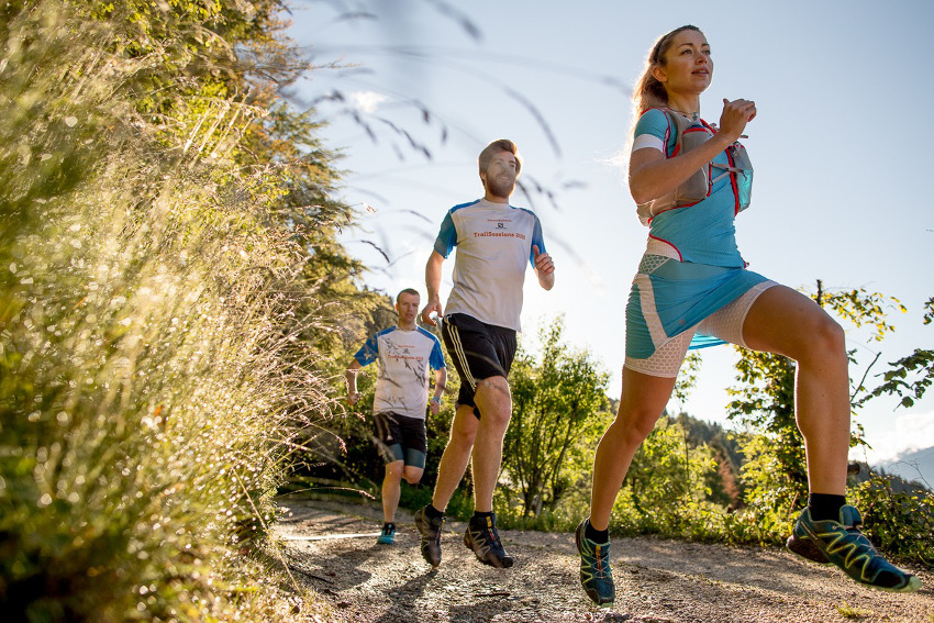 Trailrunning bei Sonnenaufgang in Levico Terme. Foto: SportScheck