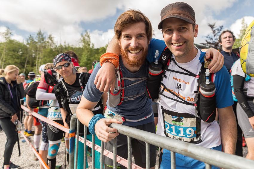 Jaques und Tobias vor dem Start des Supertrail in Leutasch. Foto: SportScheck