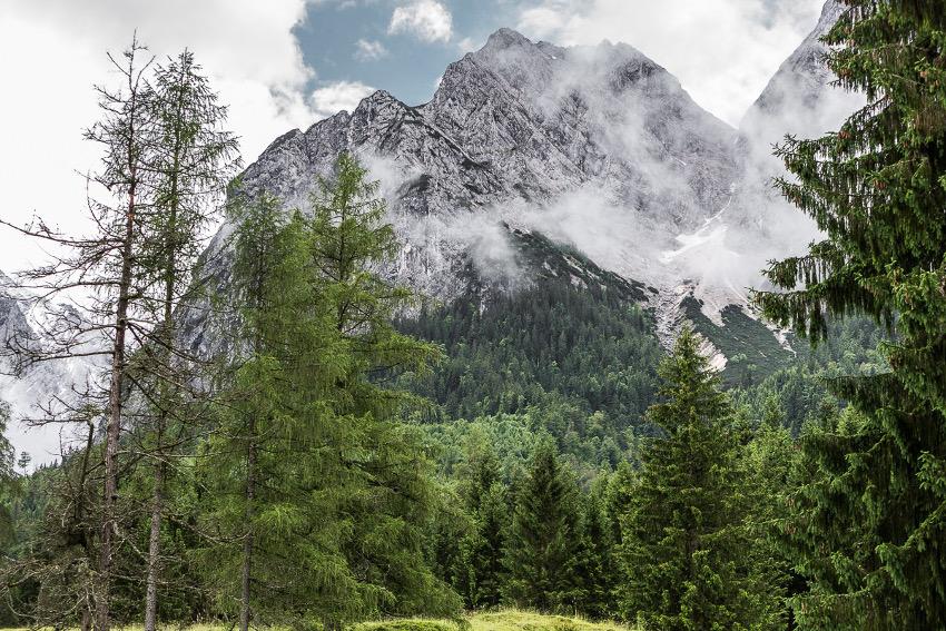 Das Wettersteinmassiv von Grainau aus betrachtet. Foto: SportScheck
