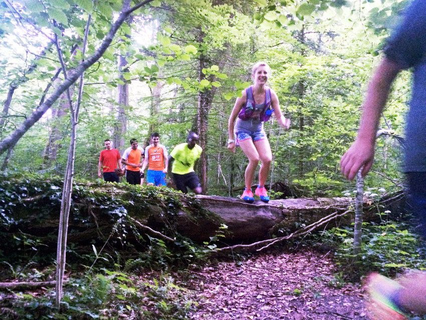 Jump around! Trailrunning macht riesig Spaß!
