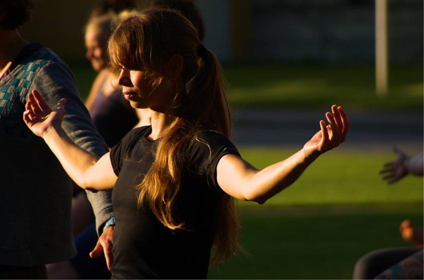 Ich war ganz vertieft und entspannt beim Sunrise Yoga. Foto: SportScheck