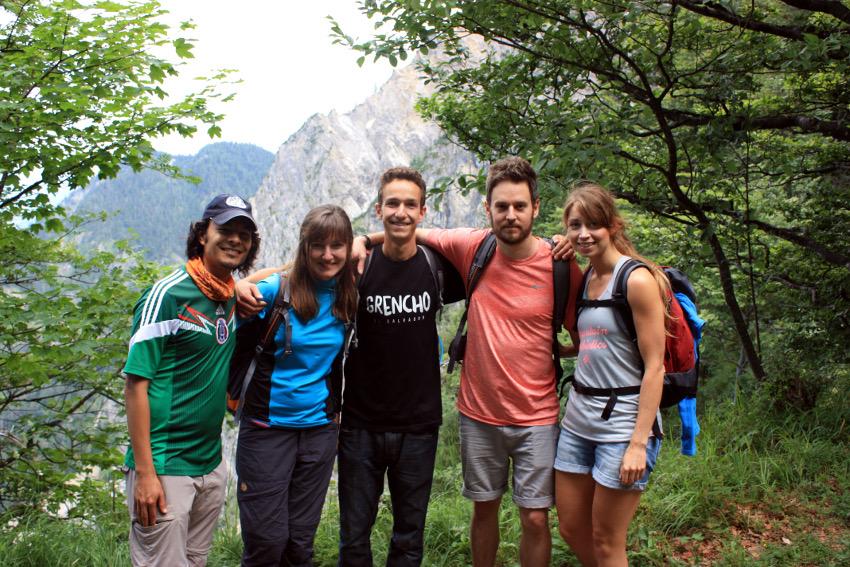 Ein Bild, auf dem wir alle drauf sind haben wir auch geschafft. V.l.n.r.: Mario, Ewelina, Jon, Alex und ich