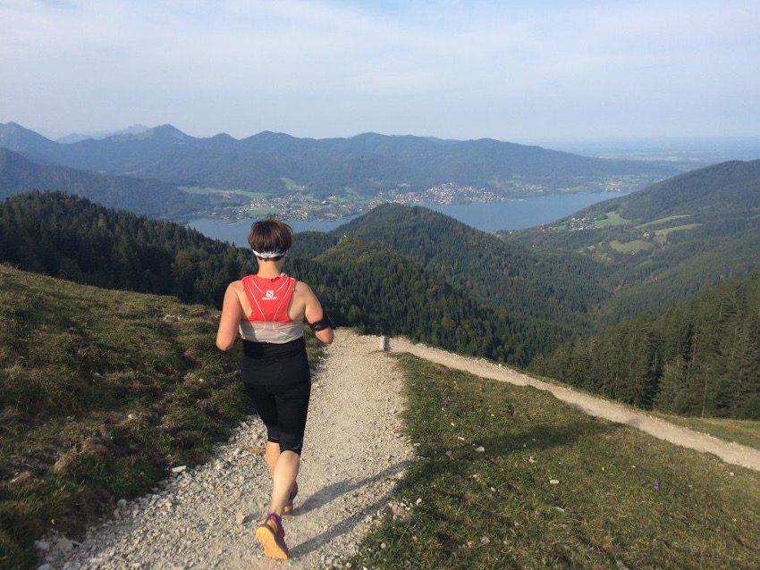 Dagmar kenne ich erst seit kurzem über meine Trail Runs und das wöchtentliche Mountain Athletics Training. Gleich bei ihrer ersten Teilnahme an einem Trailrun ist sie unglaublich mutig einen krass steilen Downhill zweimal mit mir herunter gelaufen. Das hat mich ziemlich beeindruckt!