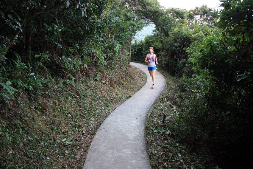 Leider bedeutet Trail in Hongkong auch oft Betonweg. Das hatte ich etwas anders erwartet.
