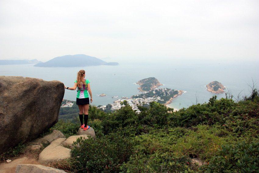 Die Aussicht genießen - vom Shek O Peak auf Shek O Village.