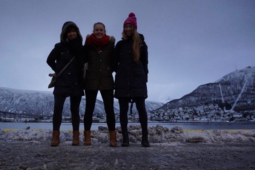 Meine zwei Mitstreiterinnen beim Polar Night Halbmarathon: Dagmar und Mona (v.l.n.r.)